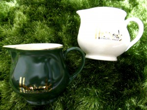 「グリーングラスとハロッズの茶器」